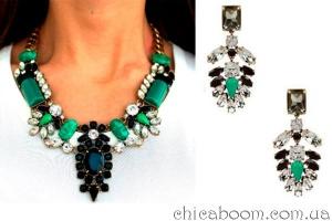 Стильные вещи. Серьги и ожерелье в зелёных тонах.